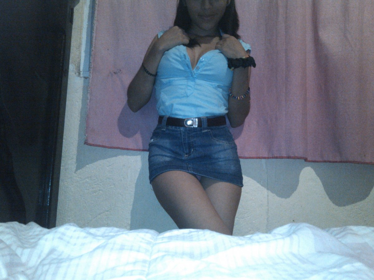 Linda Jovencita Tetona en Minifalda [260 FOTOS] 5