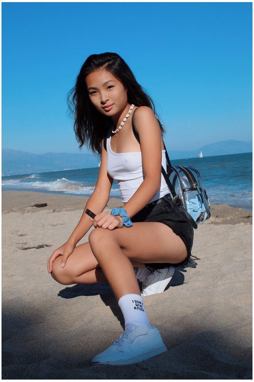 Honey-Chica Asiática mostrándolo todo. FUll Pack Fotos+Vídeos 1