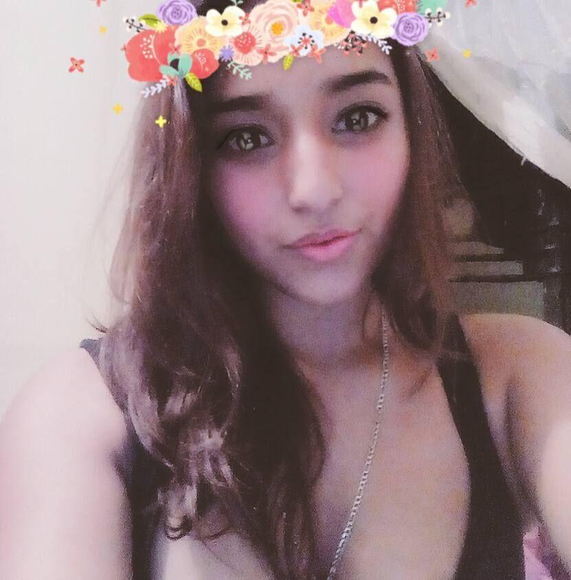 Rosa Elva. Bella chica latina y su filtrado Pack. Full Nudes. 1