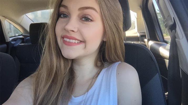 Fotos caseras de una preciosa jovencita rubia 1