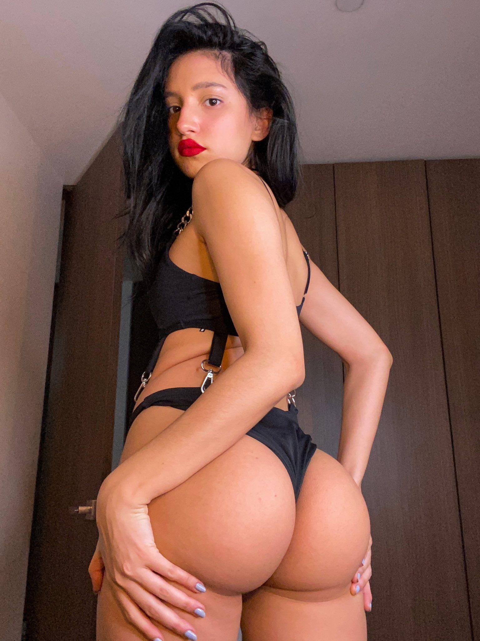 Mariam Obregon y su paquete caliente y sensual. 1