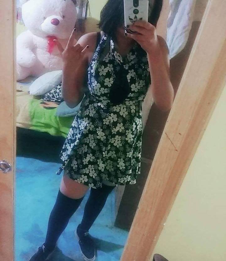 Colegiala preciosa con un cuerpo de infarto. Esta chica te encantara con sus fotos xxx. 1