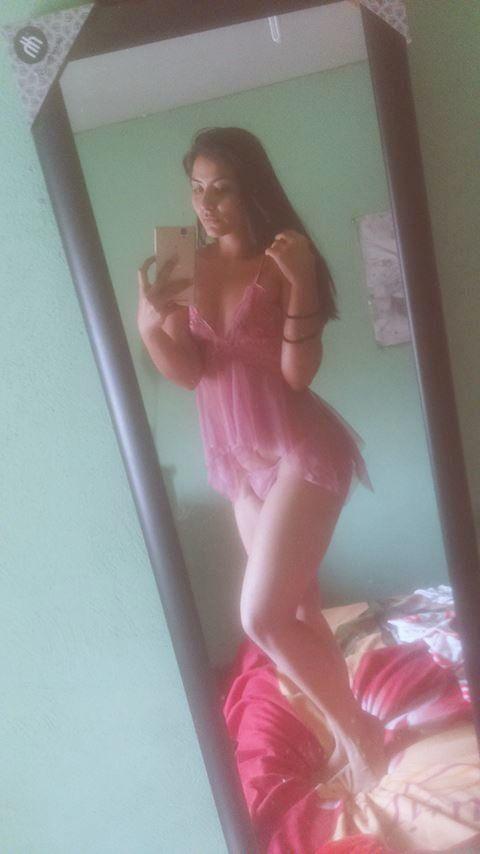 Preciosa Evelin y su Paquetito con nudes ricolinas. 2