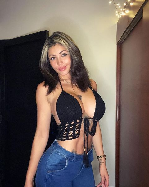 Alejandra Mejia tetuda mostrandose desnuda +VIDEO CACHONDA 14