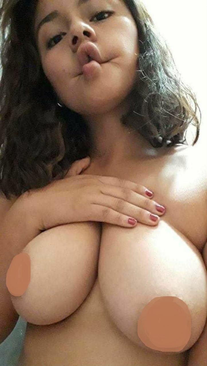 Nora Montero Jovencita con grandes tetas 9