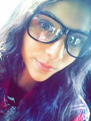 Teen Camila y su Jugosa Panochita Mojada. Ricas fotos XXX 1