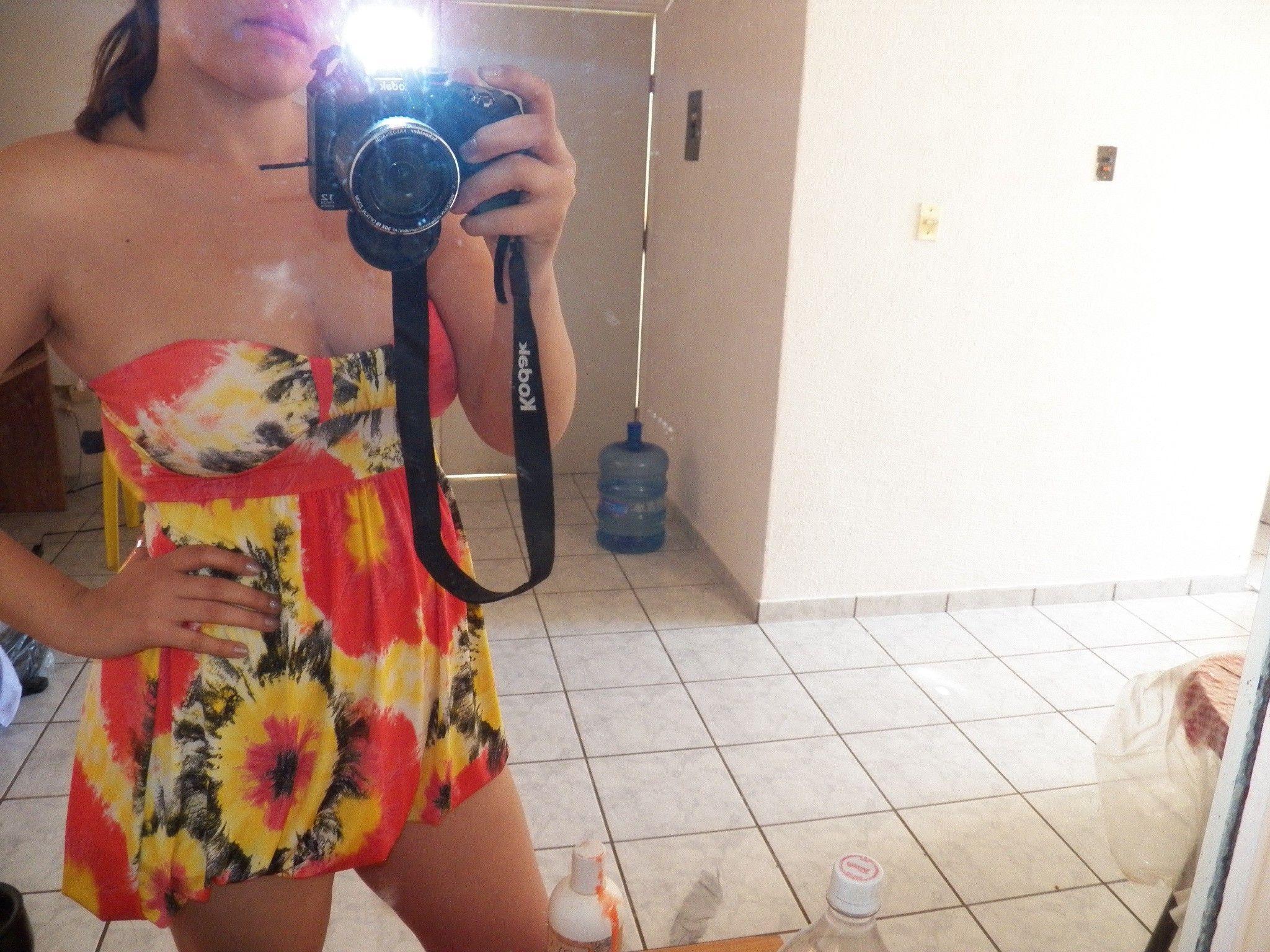 Emma, chica con unas tetas hermosas y su pusha bien gustosa. 1