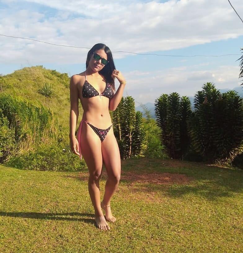 Hermosa chica con lindo cuerpo.. Nudes XXX 4