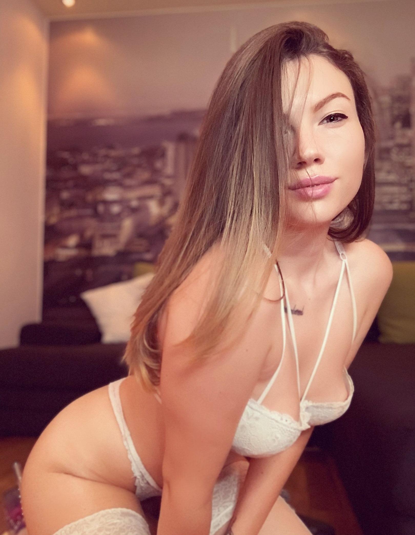 Encantadora Lecsy Lexi fotos + nudes 1