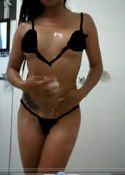 Pack para el novio bailando desnuda mientras se baña.! Video XXX 20