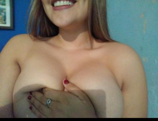Preciosa Fernanda y sus tetas perfectas. Pack fotos+ Nudes. 2