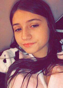 Pack casero de hermosa adolescente culona de ojos claros 13