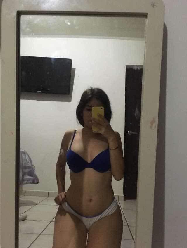 Gabriela Garcia pack casero de colegiala [+ FOTOS Y VIDEOS ] 1