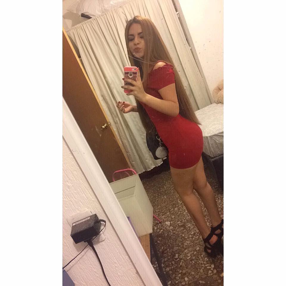 Rubia Yare Martínez y su paquetito filtrado. 4