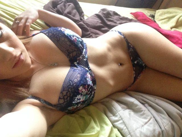 Victoria Paragios y su pack de fotos y nudes xxx Filtradas 3