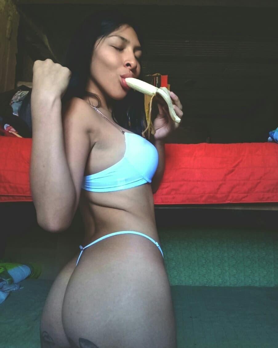Hermosa morena se deja ver todita + vídeos 16
