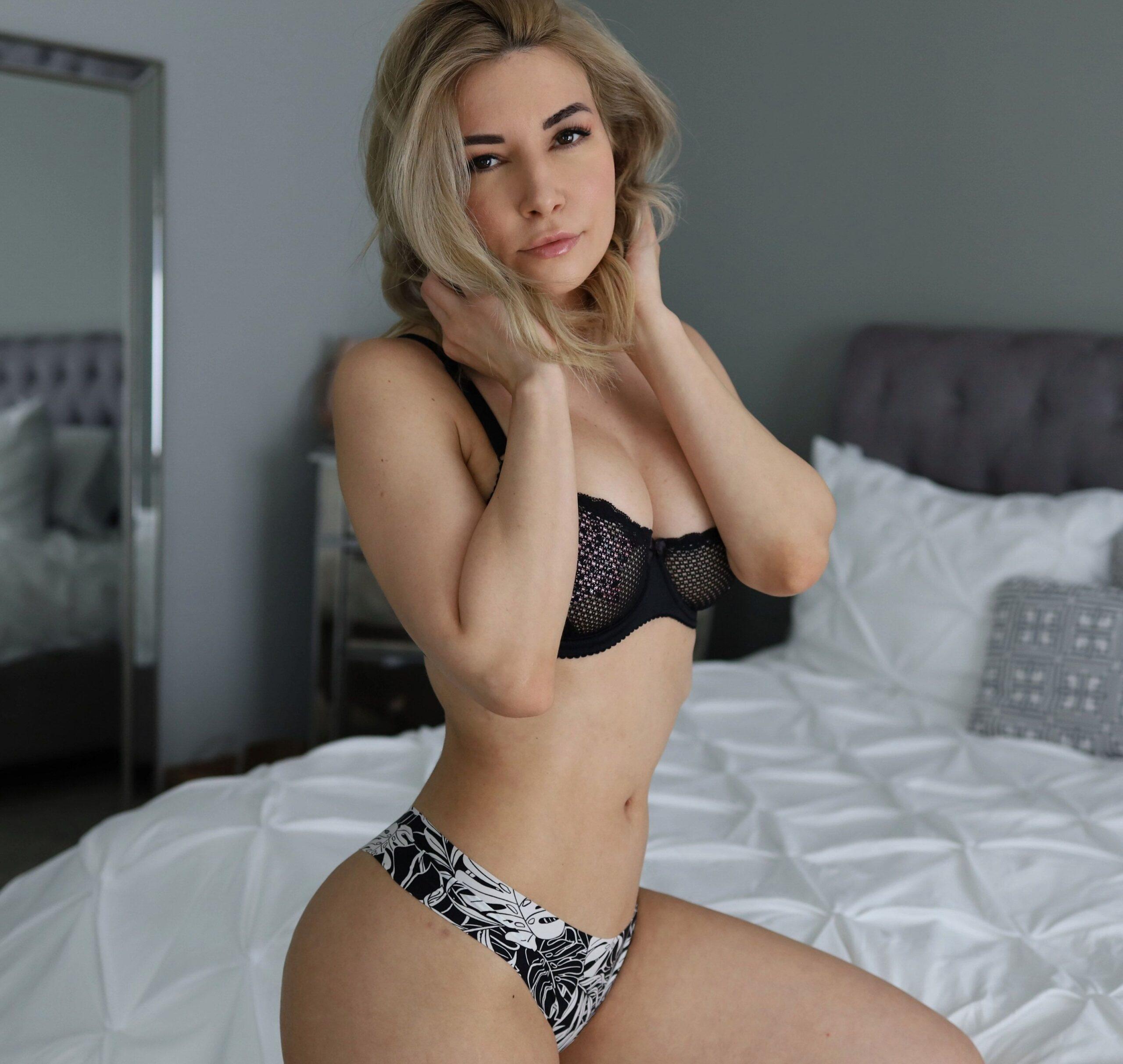 Hermosa mujer xxx Twitch Star Alinity 1
