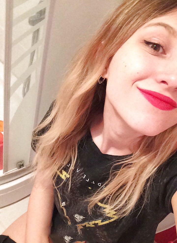 Helen Harper hermosa adolescente blanquita [+NUDES] 1