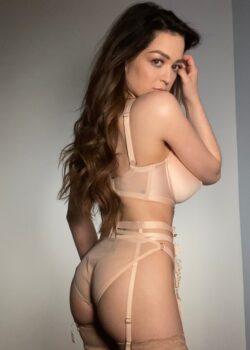 Exuberante mujer Tessa Fowler + nudes 13