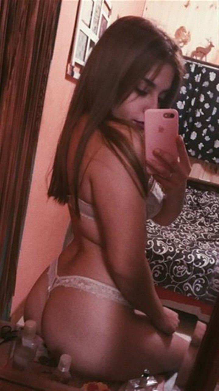Pack de bella Perra 19 años + nudes 3