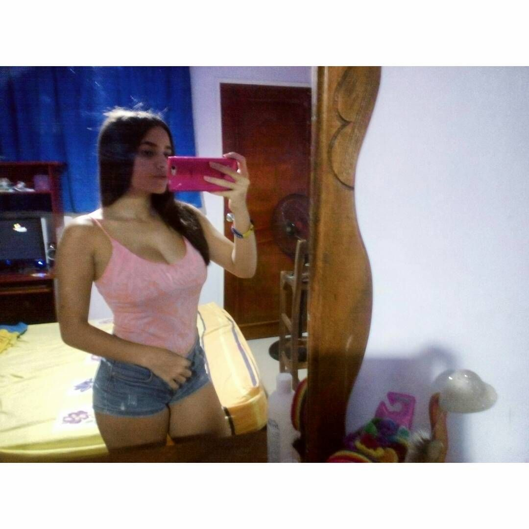 Loreni Luna, Joven venezolana con pack cashondo de nudes. Cuerpo Perecto.! 1