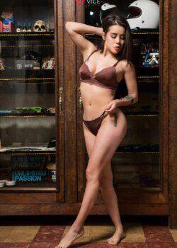 Flaca Andy Carol con pack exquisito de nudes jugosas.! 9