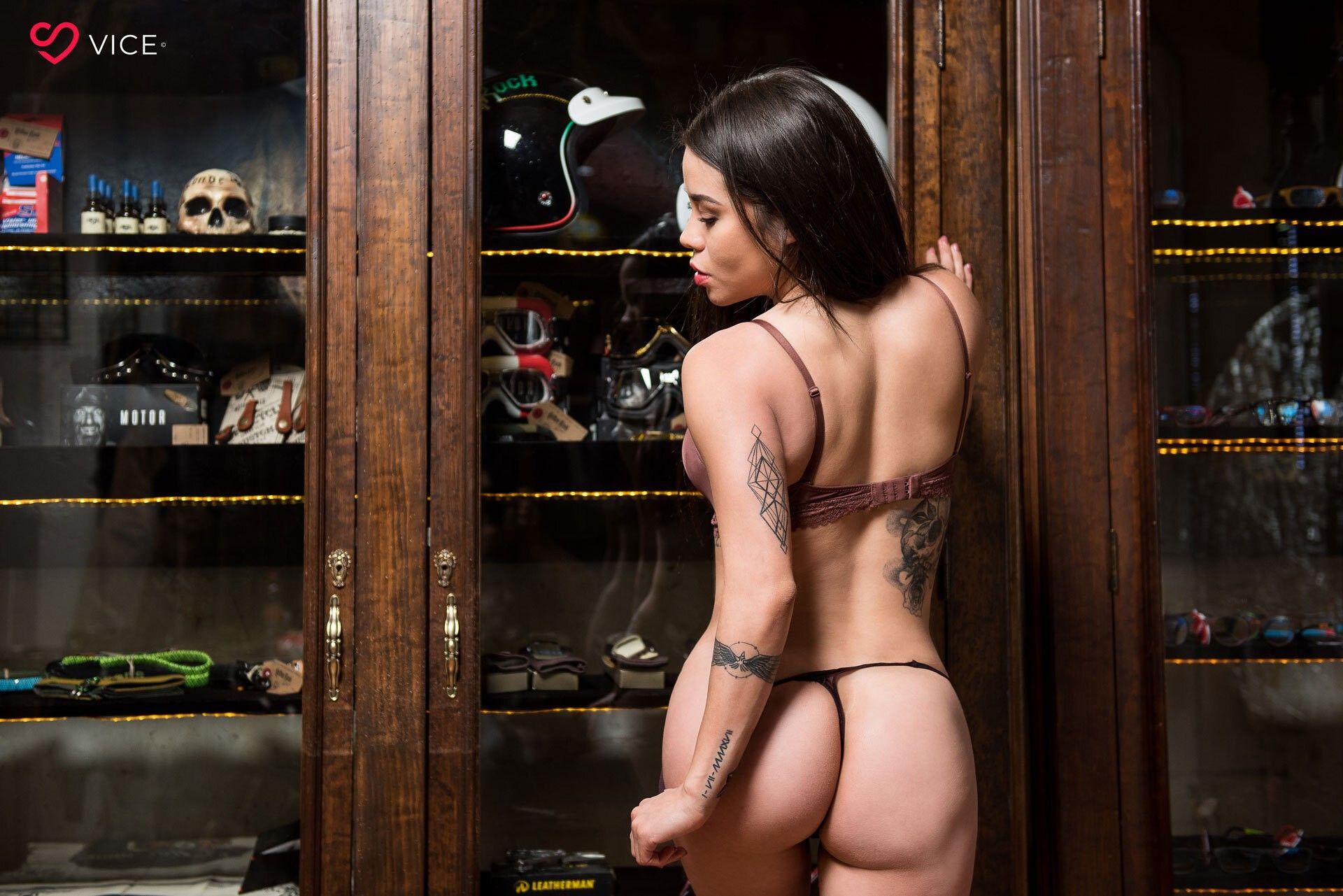 Flaca Andy Carol con pack exquisito de nudes jugosas.! 2