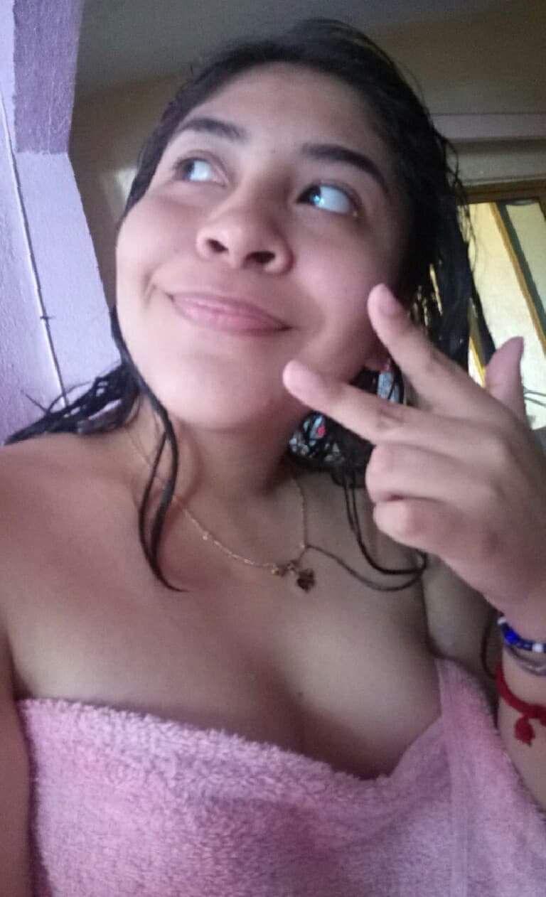 Morra Casandra López y su delicioso pack de nudes y videos. 3