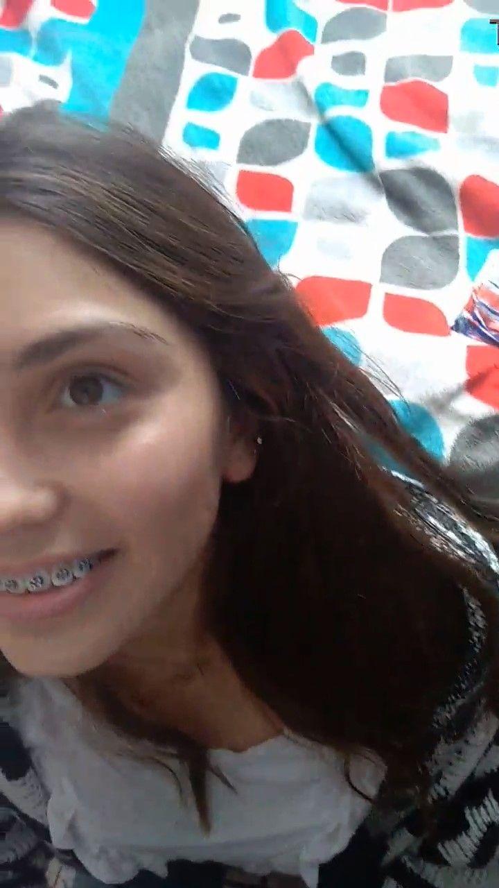 Linda jovencita Le Encanta Mamar + videos 1