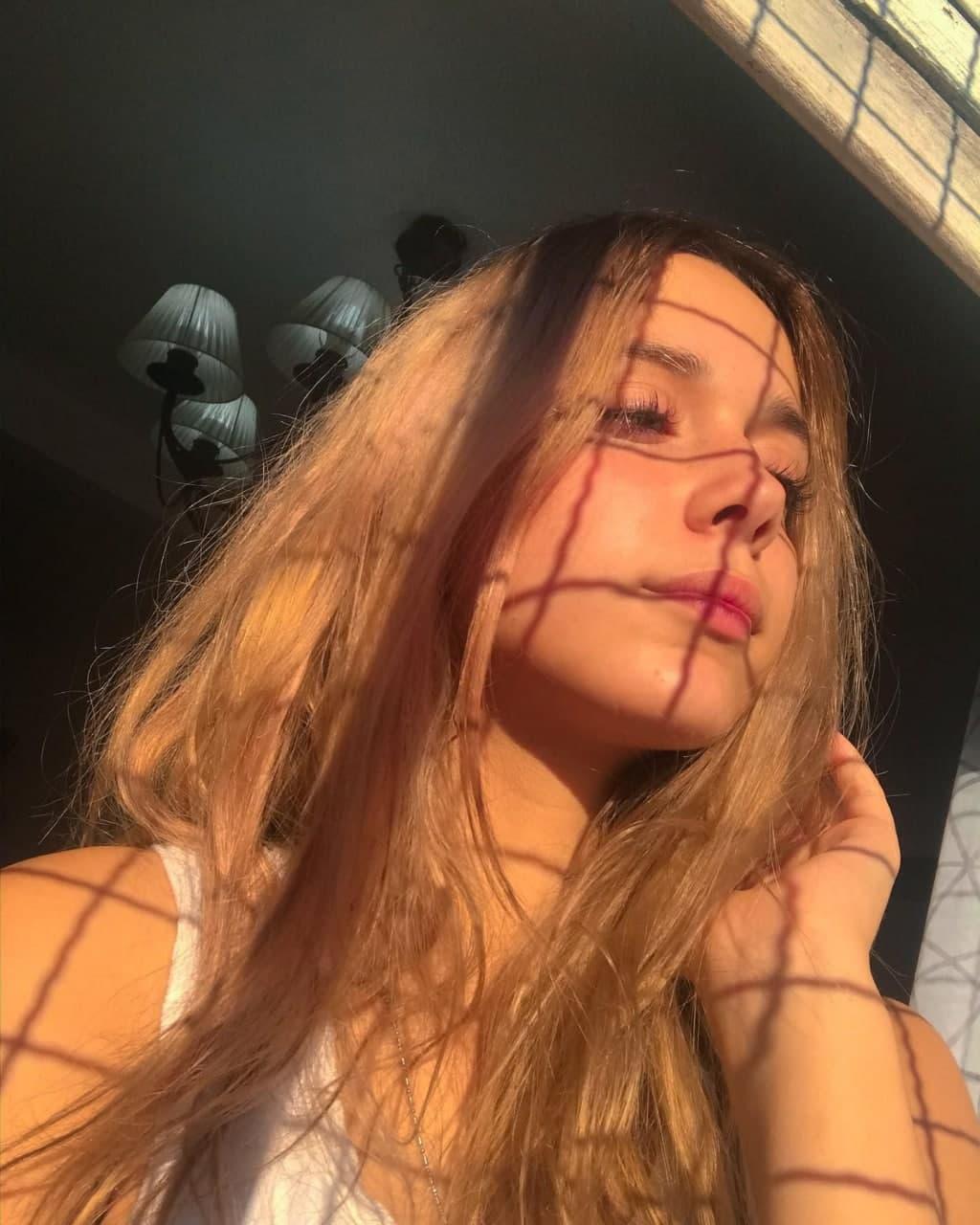 PACK de Hermosa Rubia Tetona + VIDEO COGIENDO 2