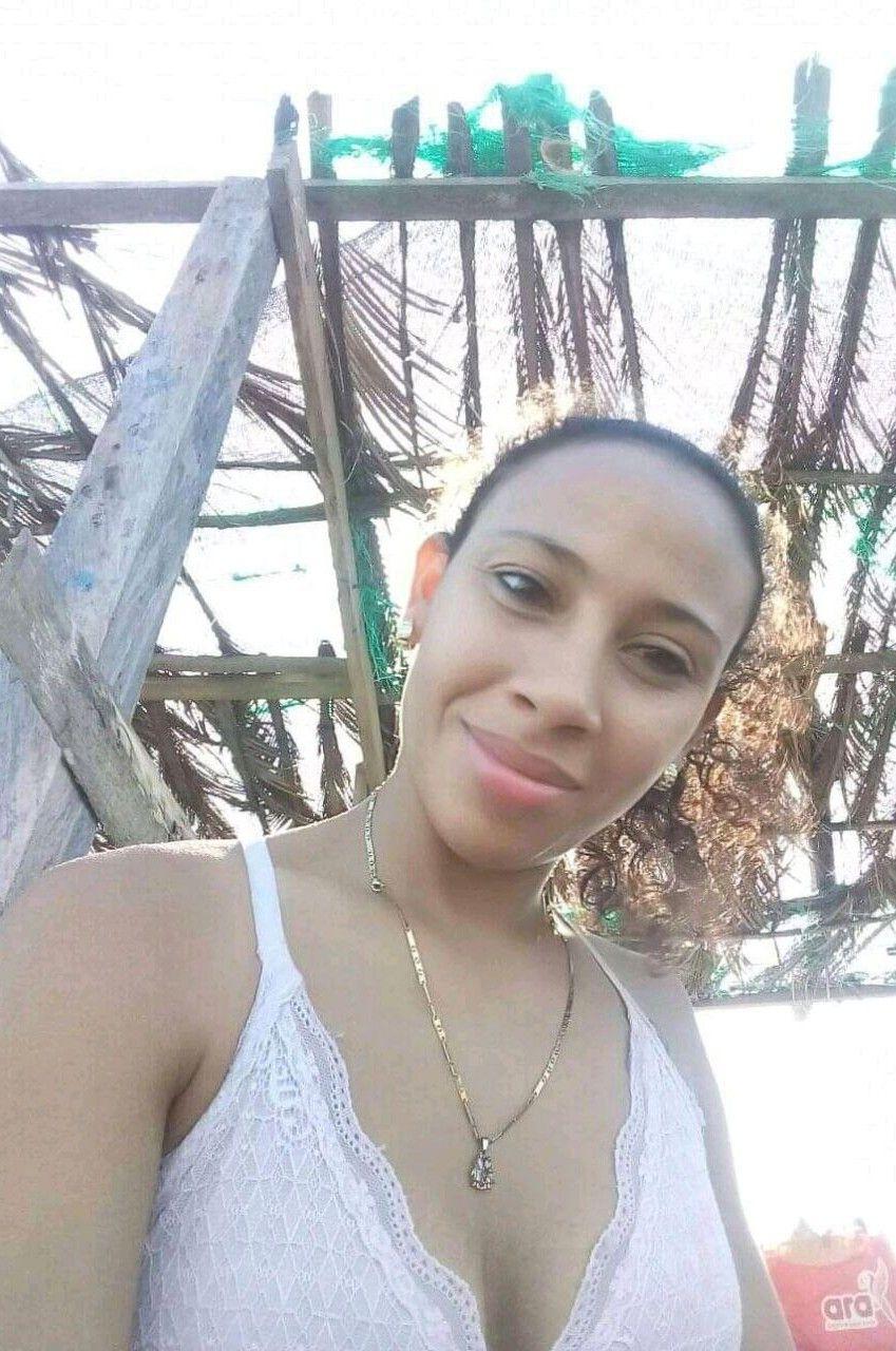 Paola Machuca. Colombiana Madurita enseña todo en videos caseros.! 2