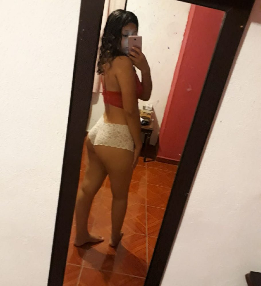 Fernanda + Videos Follando Con Su Novio 16