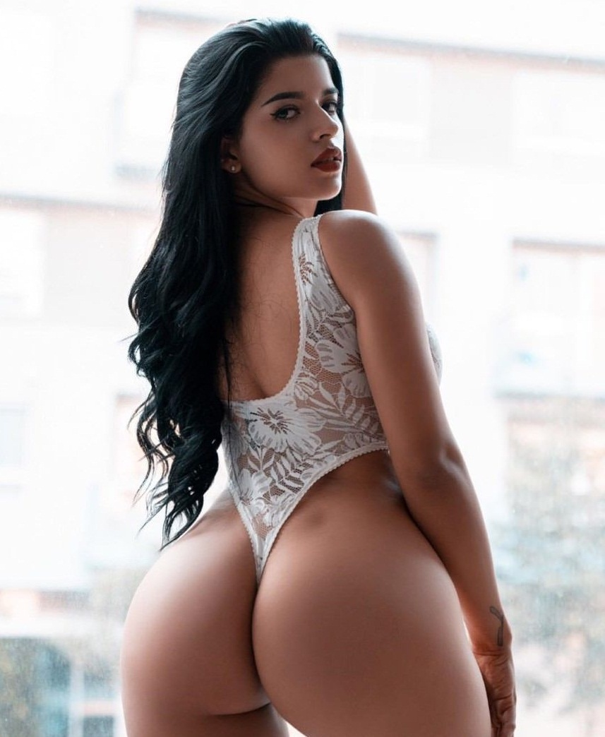Exuberante cuerpo de Juanita 2