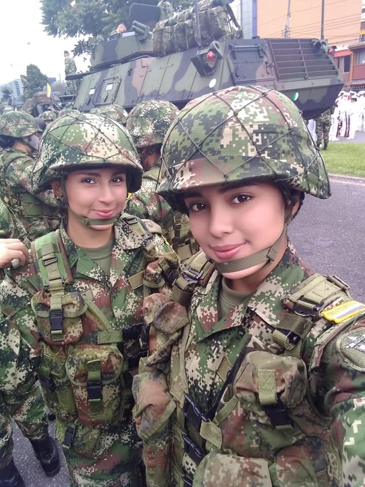 Pack de Militar tetona + NUDES Y VIDEO COGIENDO A ESCONDIDAS 2