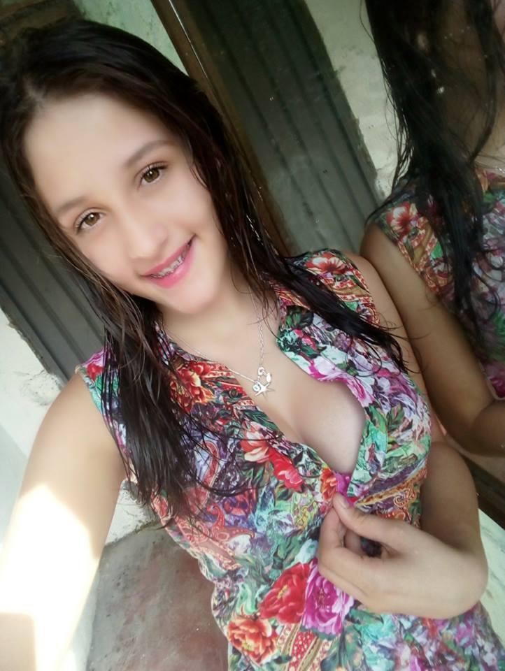 Pack Filtrado De Nathaly Estrada + 5 Videos Masturbándose 16